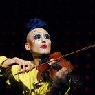 Hahn-Bin Violinist