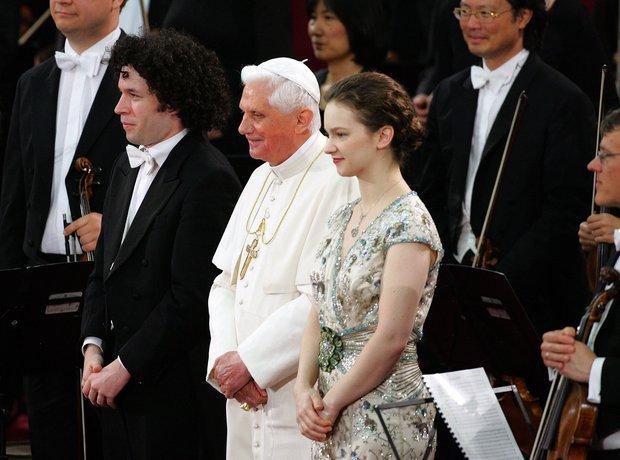 Gustavo Dudamel Hilary Hahn Benedict Pope