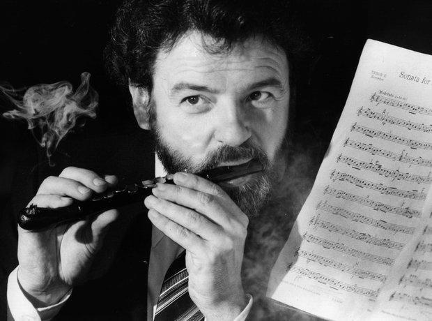James Galway flautist pipe man smoker flute
