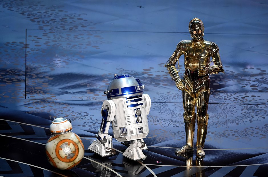 Star Wars robots on stage Oscars 2016